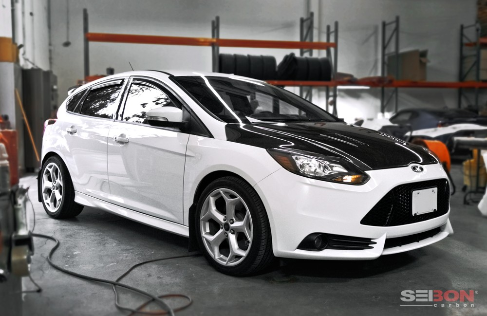 rs style carbon fiber hood for 2012 2014 ford focus. Black Bedroom Furniture Sets. Home Design Ideas
