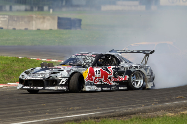 Mad Mike Wins Round 2 of D1NZ in Seibon Carbon MadBul RX7